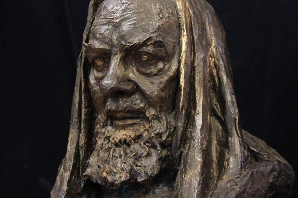 Busto-in-bronzo-DI-PADRE-PIO-a-grandezza-naturale-1